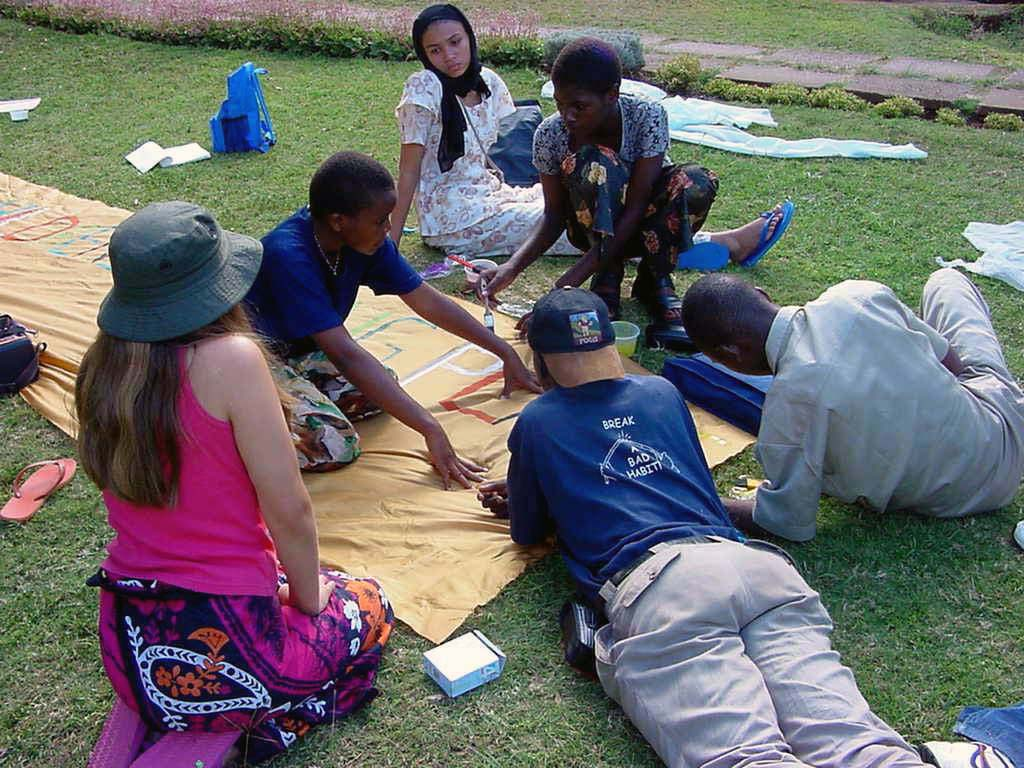 Children's Meeting Place UN Kenya 2001 - Globetree