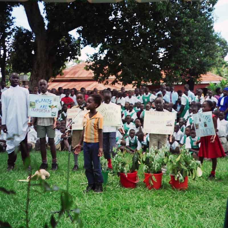 Barnens Mötesplats Entebbe Uganda 2003