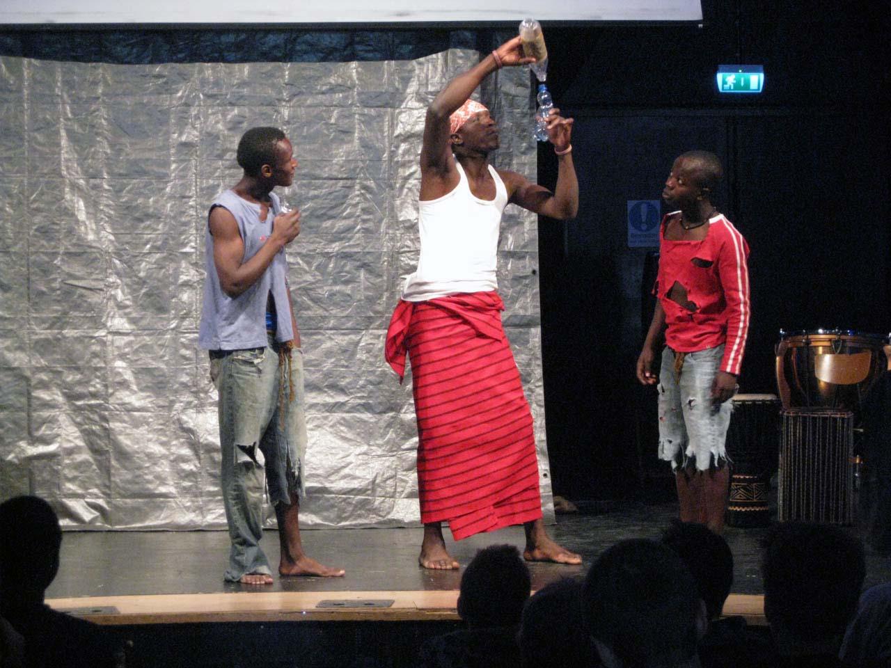<h6>Dramatik med<br>Our Life från Kenya</h6>
