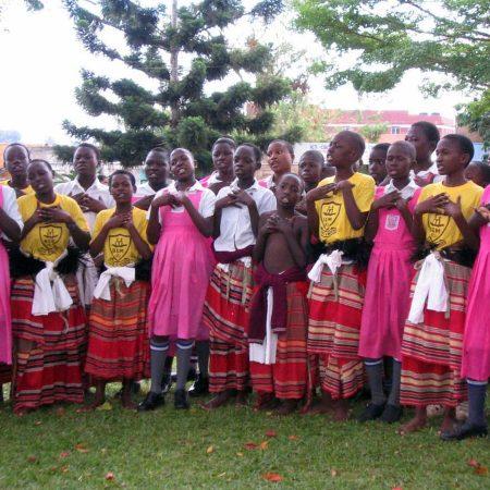 Afrika 2003-11 Mukono Inauguration Dans MR 11