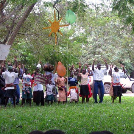 Afrika 2003-11 Mwanza Inauguration Dance MR 06